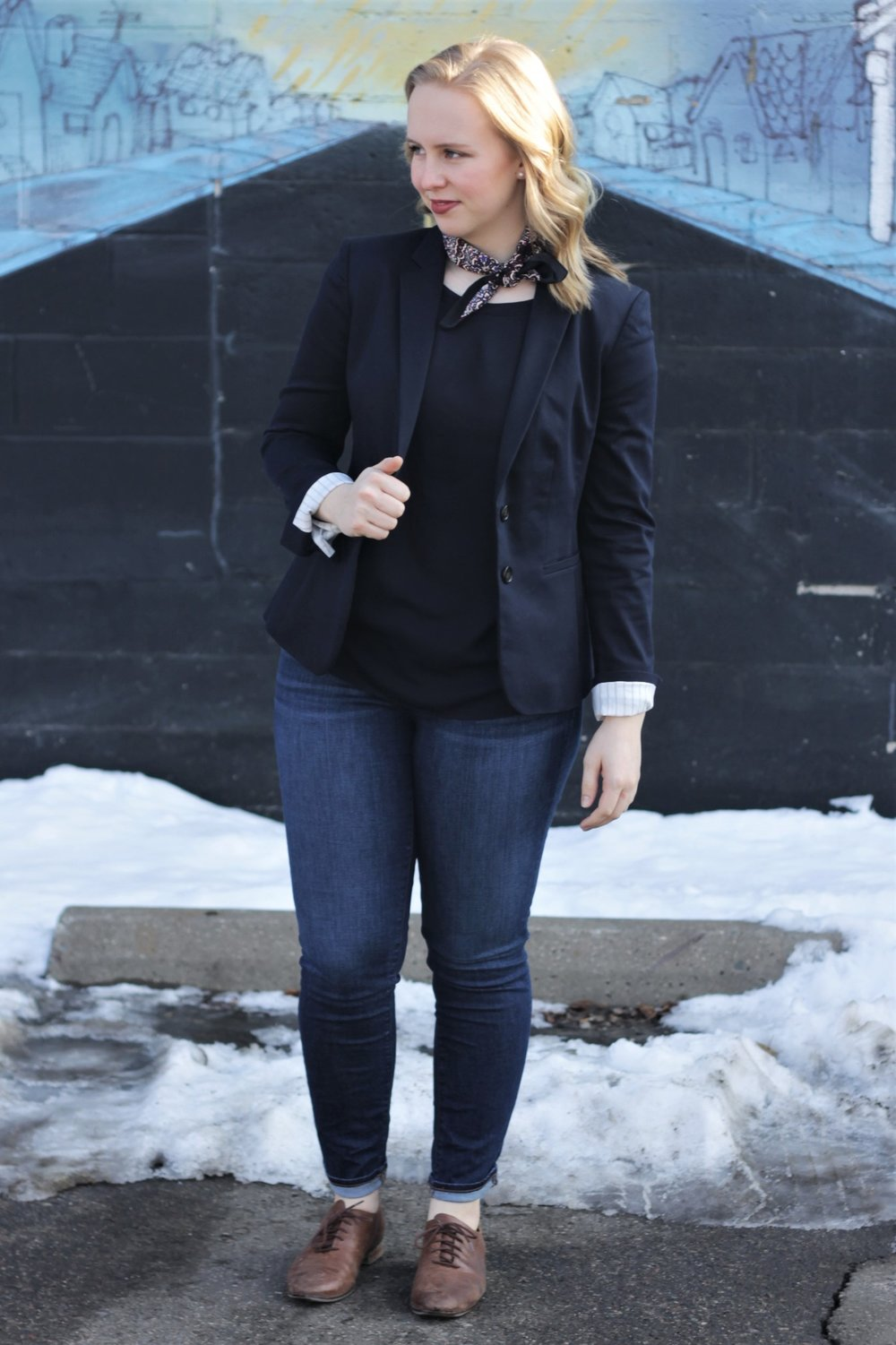 Casual   Jeans & a Blazer   Work & What She Wore