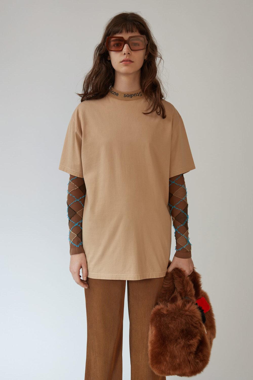 acne studios gojina dyed camel tee