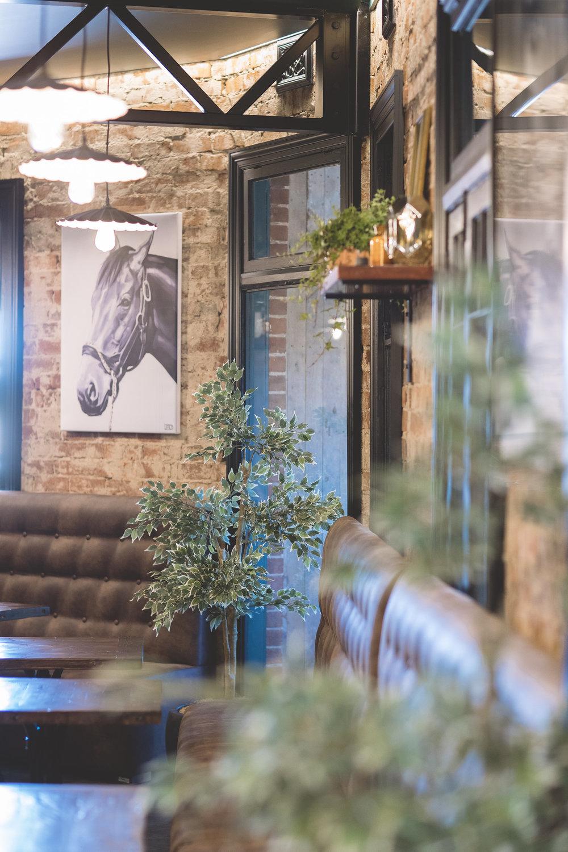 Hart-Bar-Railway-Hotel-Parkes-0029.jpg