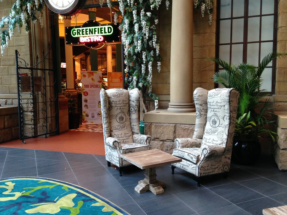 CUSTOM MADE LOUNGES & ARM CHAIRS -