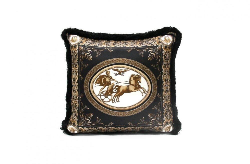 d760f591a796b1a60b0c6a6d1bdc2969_Chariot---Cushion---45x45-cm---Silk-Panel-R-Silk-Panel---2000-CU21SEJ0259-V.1002-.jpg