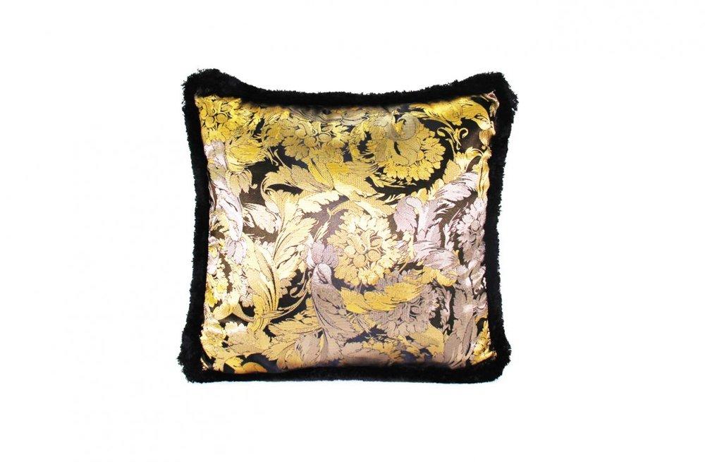 1eb5326fe794717c18628eea3eae0fbb_Greca-Stud-Camo---Cushion---45x45-cm---Velvet-Panel-R-Silk-Pattern---2014-CU21FMBCGRE-V.OR01-R-.jpg