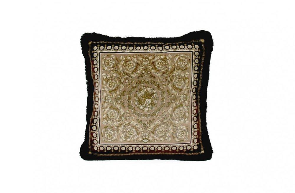 3fb61fd8e9e14c4e13a7b4ba3adce68b_Barocco---Cushion---45x45-cm---Velvet-Panel-R-Silk-Panel---2011-ZCU21SV-Z01611-Z1099-D2015.jpg