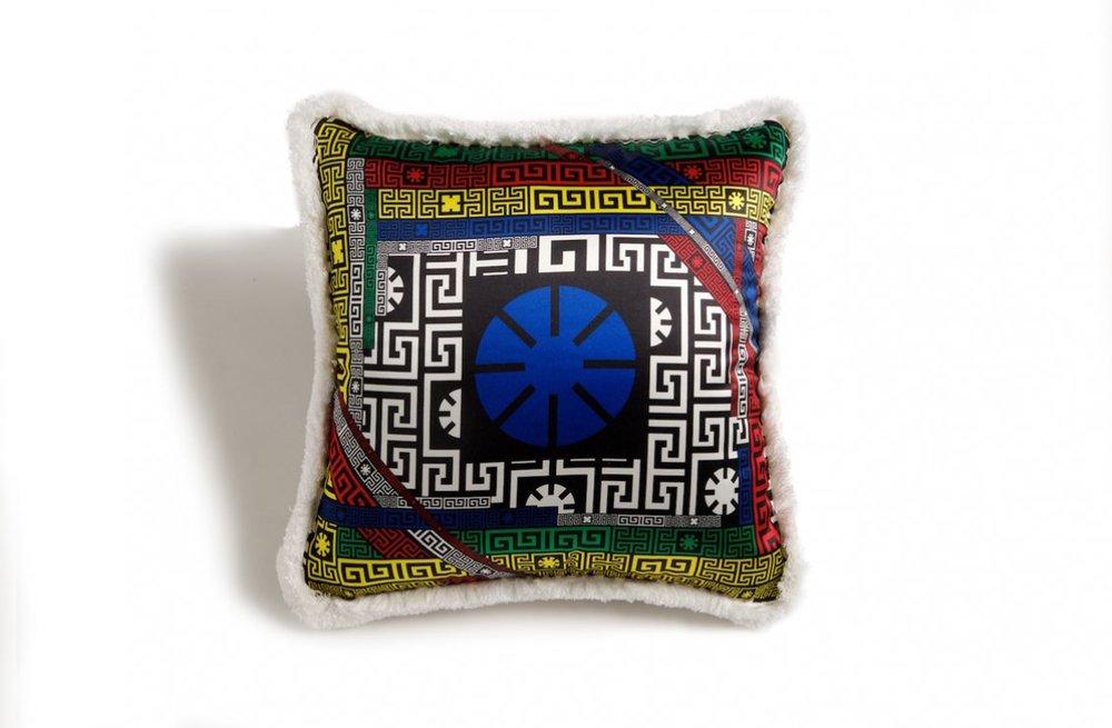 39d5b7be5c5c164b64663a87d47db335_Hashtag---Cushion---45x45-cm---Silk-Panel-R-Silk-Panel---2015-ZCU454501-ZSEP0030-Z7037-.jpg
