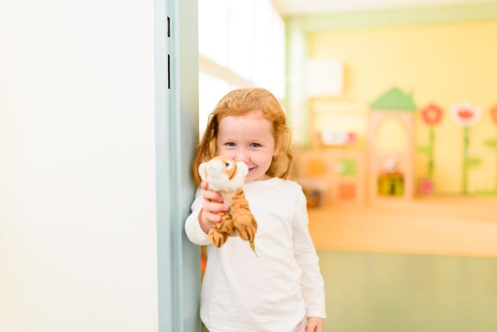 Dennýrežim - prispôsobený deťom: mnohé deti najmä vo veku 5, 6 rokov už nepotrebujú popoludňajší spánok. Pre tie sú pripravené oddychové kútiky, v ktorých majú možnosť odpočinúť si popoludní, pričom nikto ich nenúti spať.