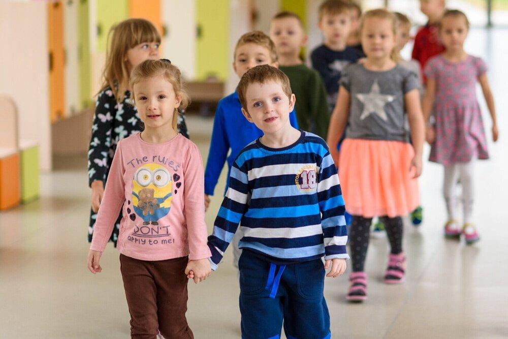 16 detí vtriede - Do tried zaradíme deti tak, aby bola možná individuálna práca, pokoj pri práci a samozrejme, bezpečnosť detí pri akejkoľvek činnosti.