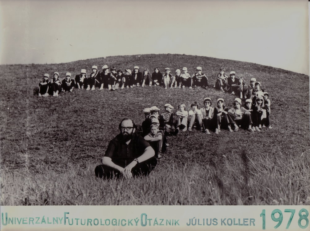 Koller Július, 1978, UniverzálnyFuturologickýOtáznik, fotgrafia, 29x22,5.jpg