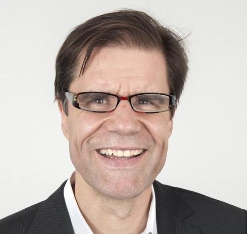 """MATHIS WACKERNAGEL - MATHIS WACKERNAGEL ist Präsident des Global Footprint Network mit Sitz in Oakland, Kalifornien, und globaler Pionier und Visionär im Bereich Nachhaltigkeit und Ressourcenschonung. Er erfand den Ökologischen Fußabdruck, der heute weltweit von Staaten, Konzernen und Institutionen als wichtigster Maßstab für den Verbrauch von Ressourcen eingesetzt wird. Mathis Wackernagel ist Gastprofessor an der Cornell University, New York, Autor zahlreicher Bücher und Publikationen, darunter """"Our Ecological Footprint: Reducing Human Impact on the Earth"""", und hat Vorträge an über einhundert Universitäten rund um den Erdball gehalten.Er ist Träger zahlreicher Auszeichnungen, darunter des World Wide Fund for Nature Award for Conservation Merit, des Kenneth Boulding Award of the International Society for Ecological Economics, des Blue Planet Prize, des Prix Nature Swisscanto und des Zayed International Prize for Environment."""