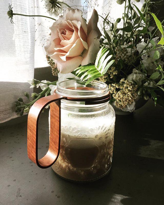 Monday morning vibes are pretty good with a mason jar of coffee within reach! . . . #masonjar #coffee #mondaymorning #mondayvibes #copper #rosegold #masonjaraccessories #masonjarhandle #tulsasmallbusiness #shoplocaltulsa #madeinoklahoma