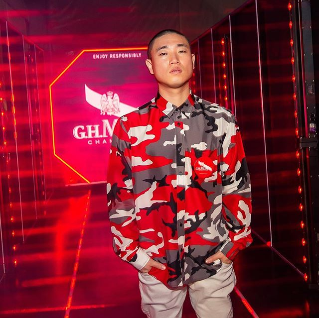 Honourable guest Gary Kang & DJ Spray came all the way from Korea to be at the #ArtCentral #MummHK #HarbourParty! 🤘🏽Followed by an #amazing performance by Joey JW! Thank you so much for your music and beats of the night! 🥂🍾 We had a #fullhouse! 🙌🏽 #GHMumm #Champagne #party #edm #dj #kpop #kanggary #stella #hot #red #goodshow #pr #event