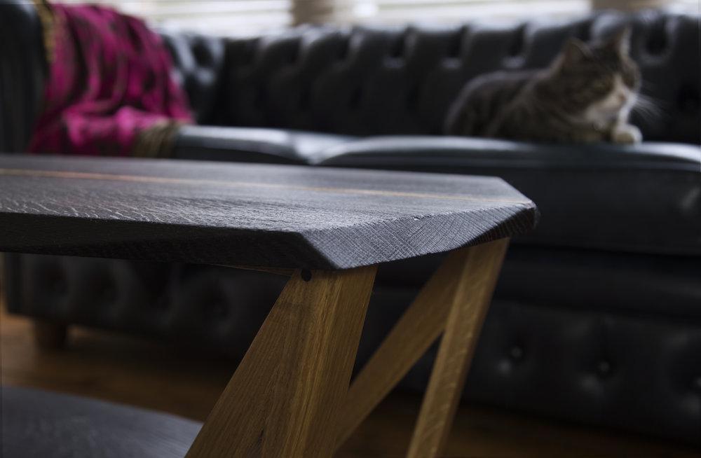 TABLE_mid.jpg