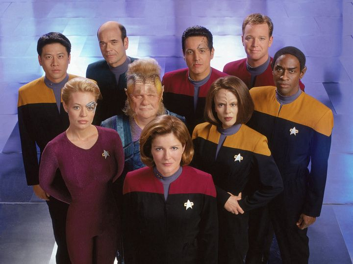 2448cb9ab3156f15b0768cd30445982c--star-trek-voyager-tv-star.jpg