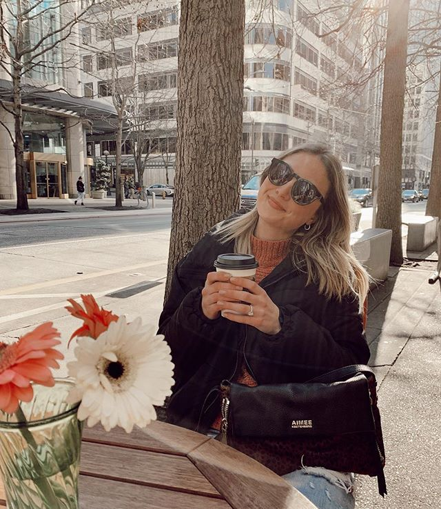 that face you make when the Sunday scaries try to get the best of you but you are not here to play games 👏🏼 #clapback #boybye #sundaymood  #ootd #dowtownseattle #daylightsavings #seattle #pnw #pugetsound #seattleblogger #espresso #monorailespresso #seattlecoffee #sundayscaries