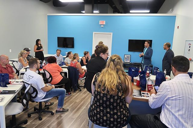 Thank you to @themauzgroup for choosing RevCowork to host your #InvestorExpo tonight! What a great turnout and extremely helpful content being taught tonight! . #RevCowork #ConnectCollaborateCreate #RevEventSpace