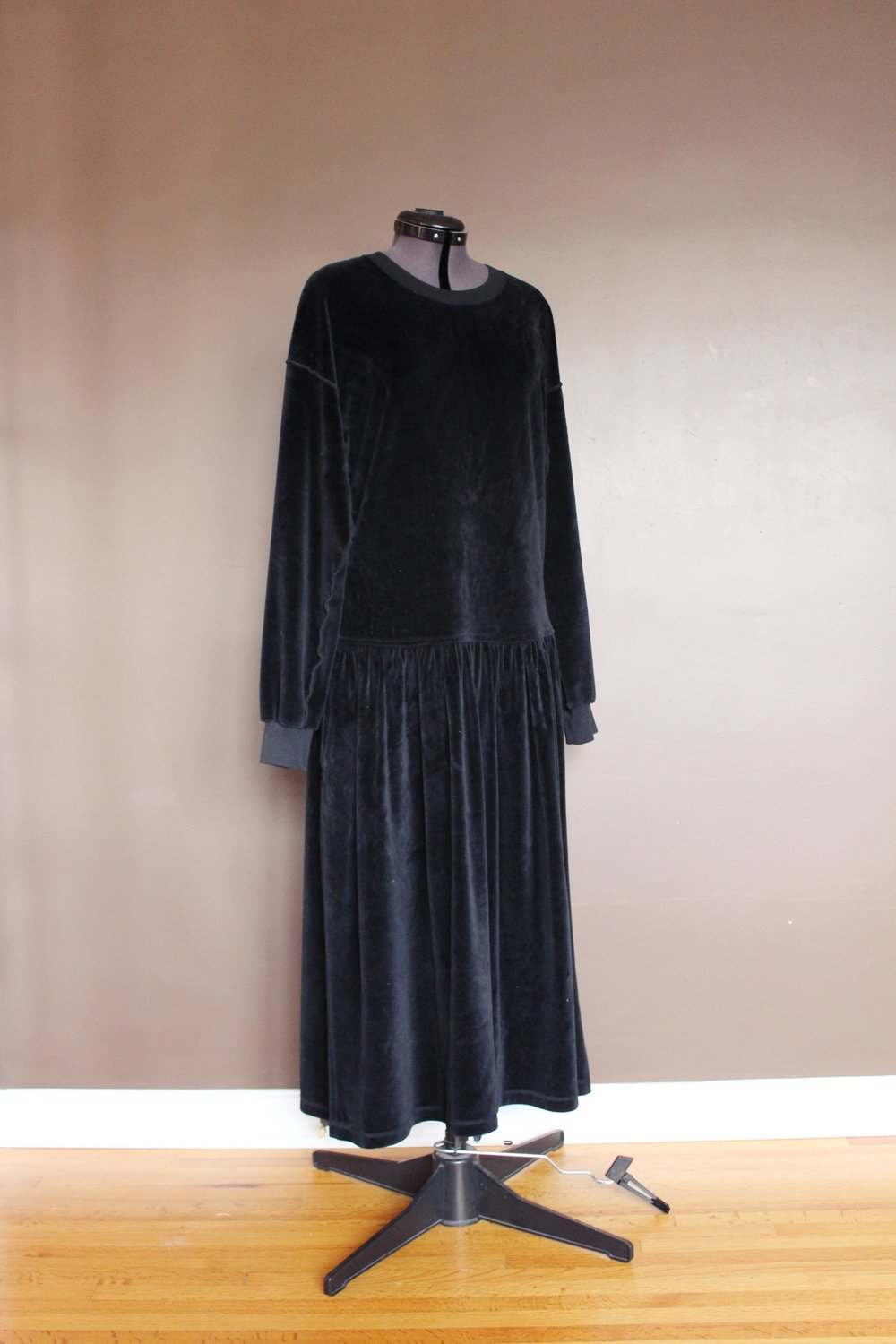 holiday-black-velour-velvet-kimono-well-fibre-1