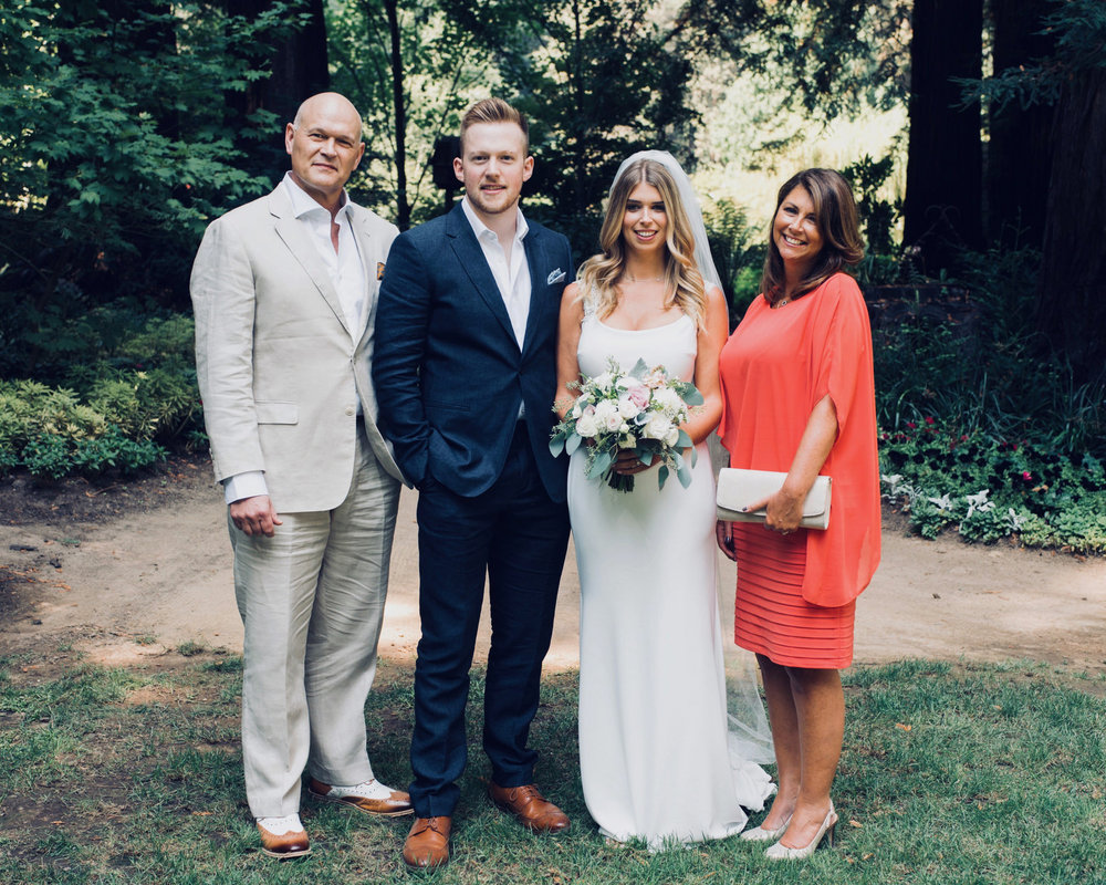 bride with family on wedding day at nestledown in los gatos california makeup by kim baker beauty