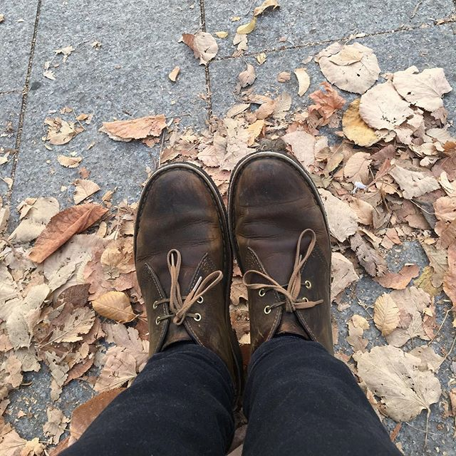 Fall feelings ~ these feet have been some places and I am so grateful to be able to live the life I do! They've led me across too many countries to count, into many coffee shops, towards many adventures, and occasionally into trouble but most importantly they've led me to some of the best people in my life. 💕👣#followyourfeet #nomadfamily