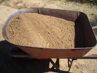 Weight in front - Soil is properly distributed in this wheelbarrow, creating better balance for easier