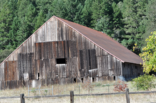 bigfoot-highway-barn.jpg