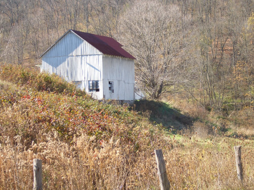 fall-landscape-white-barn.jpg