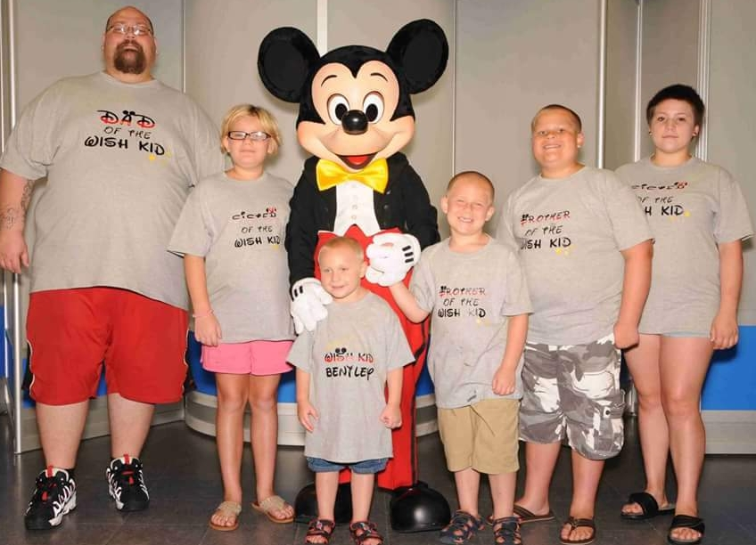 The Seachrists (minus mom who was taking the picture) on their Make A Wish trip to Disney.