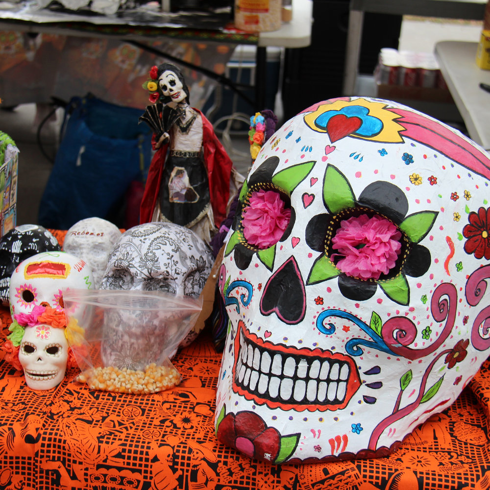 TIANGUIS  (Arts & Crafts AND FOOD VENDORS)