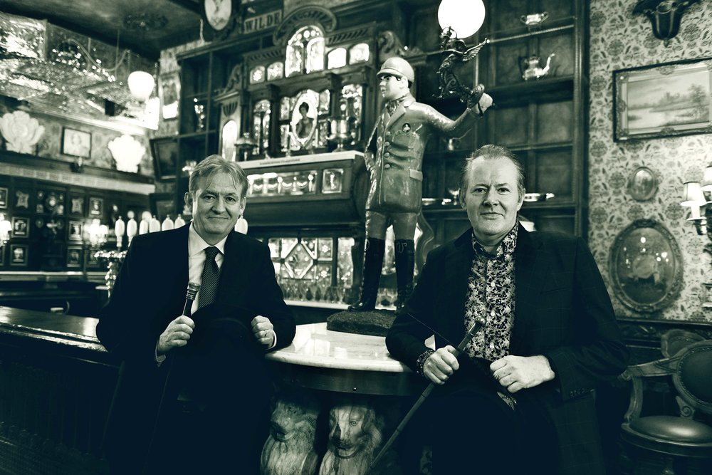 Owners Tommy Burke and Frank McCole are the masterminds behind Oscar Wilde. They are also the founders of Celtic Developers Group (CDG), operating Lillie's Victorian Establishment, Papillon Bistro & Bar and Ashby's.