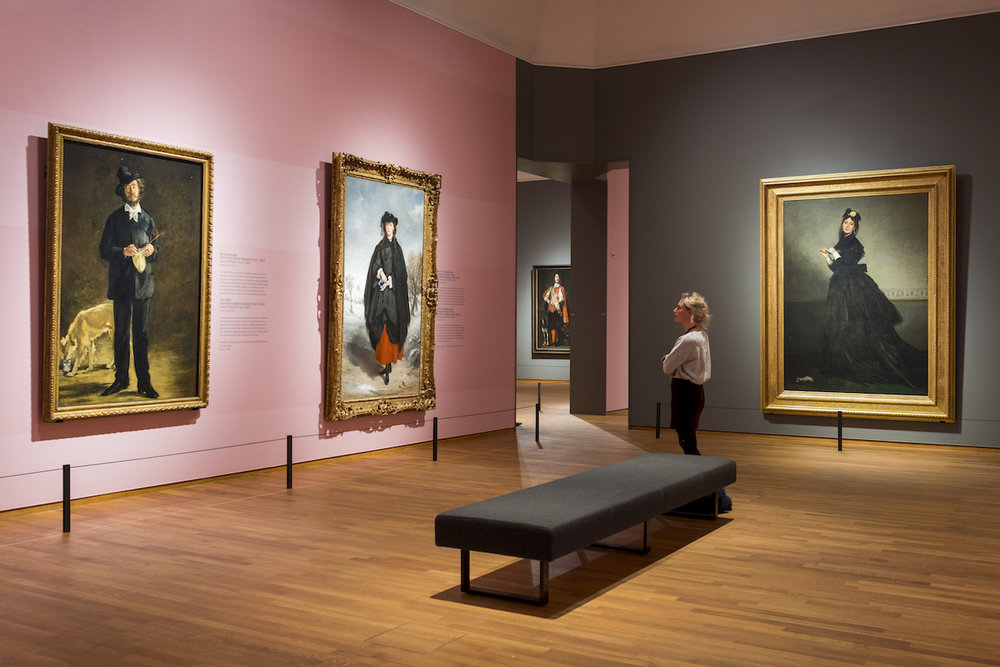Exploring the High Society through the Art of the Masters.