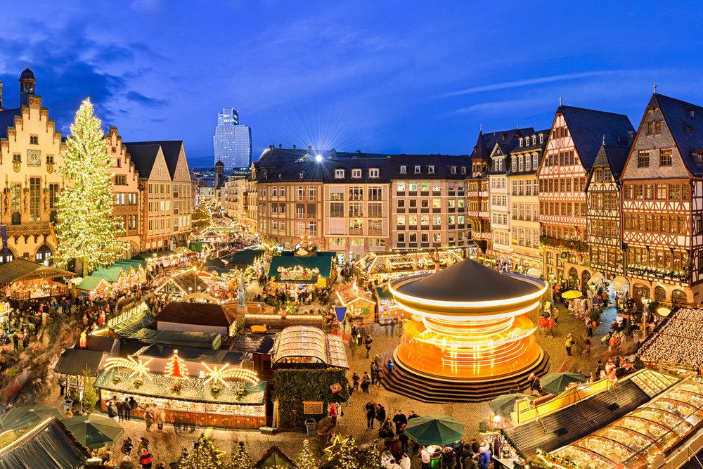 Weihnachtsmarkt in Frankfurt, Germany (Photography by Mapics)
