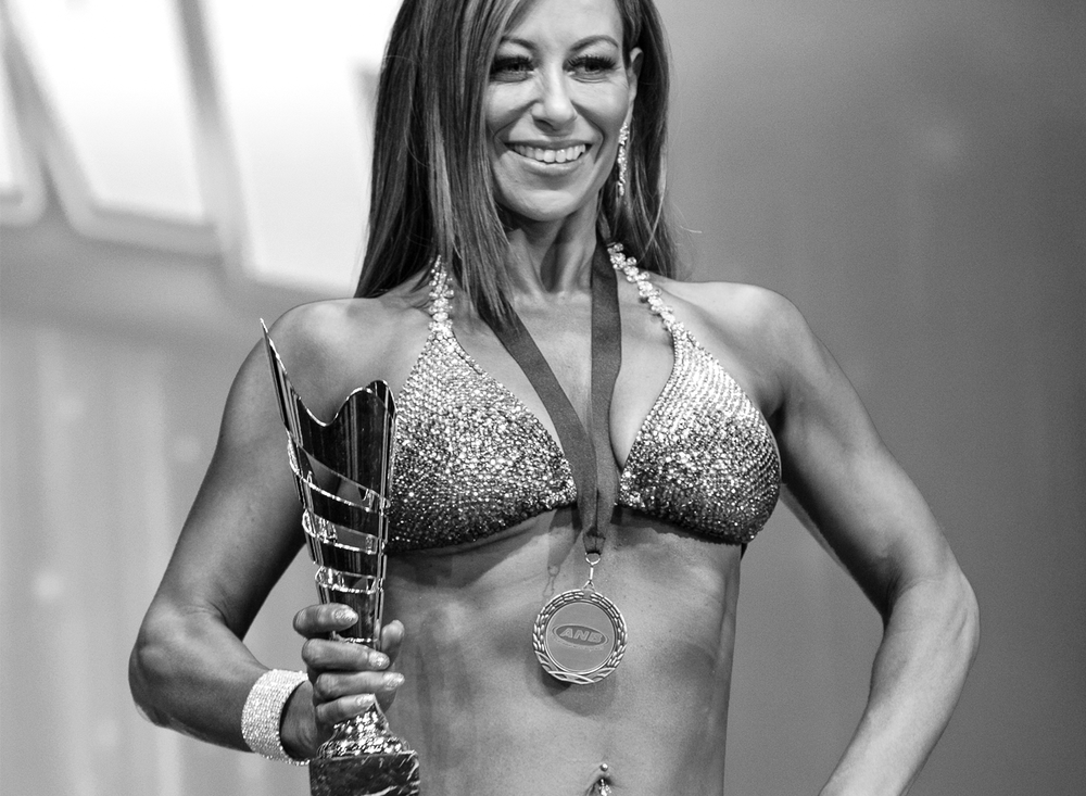 The FitMum - Heather kicked off her fitness career in a bodybuilding competition at the age of 42 on 13 May 2017. Placing 3rd in the Over 35's Swimsuit Model Division at the Australian Natural Bodybuilding (ANB) Melbourne Titles. Heather currently studies Certificate 3 & 4 in Fitness with the Australian Fitness Academy. Her aspirations also include study in nutrition and health science. Find her mouthwatering Real Meals In Real Time recipes via hashtag #inspiringmumsfit.