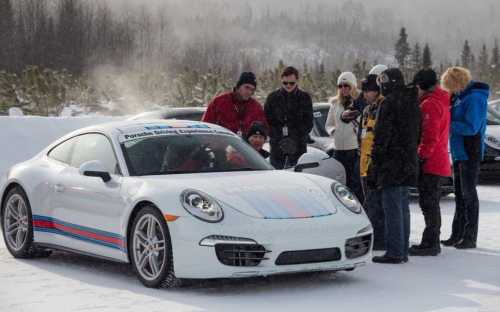 185774_2015_Porsche_911.jpg
