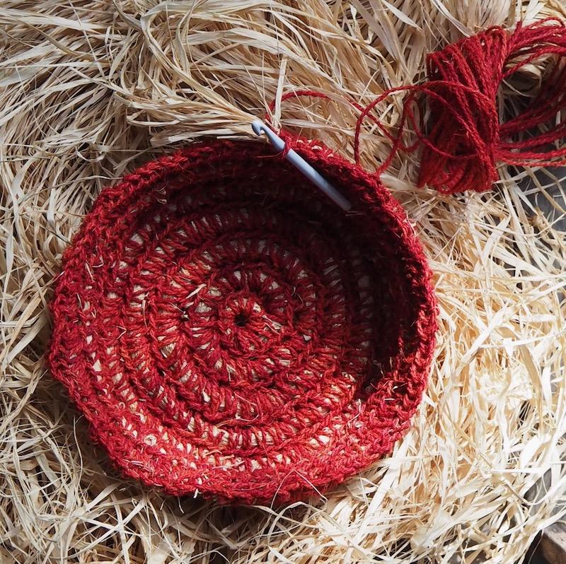 Crochet core-filled basket tutorial Petalplum.JPG