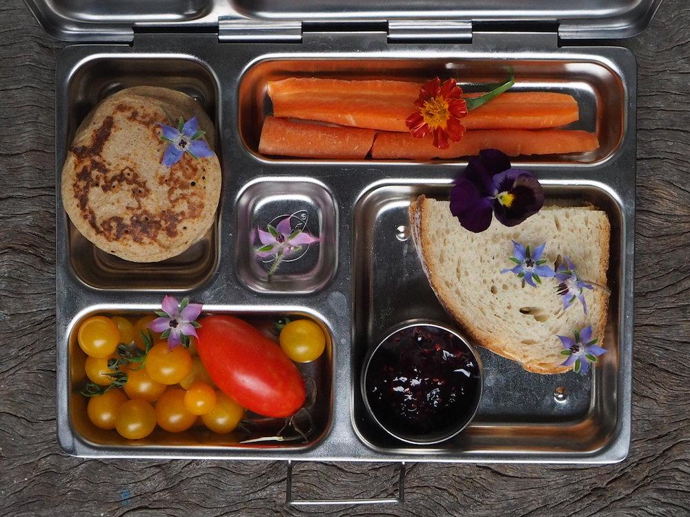 Ellie Beck Petalplum Plastic free lunch boxIMG_5841.JPG