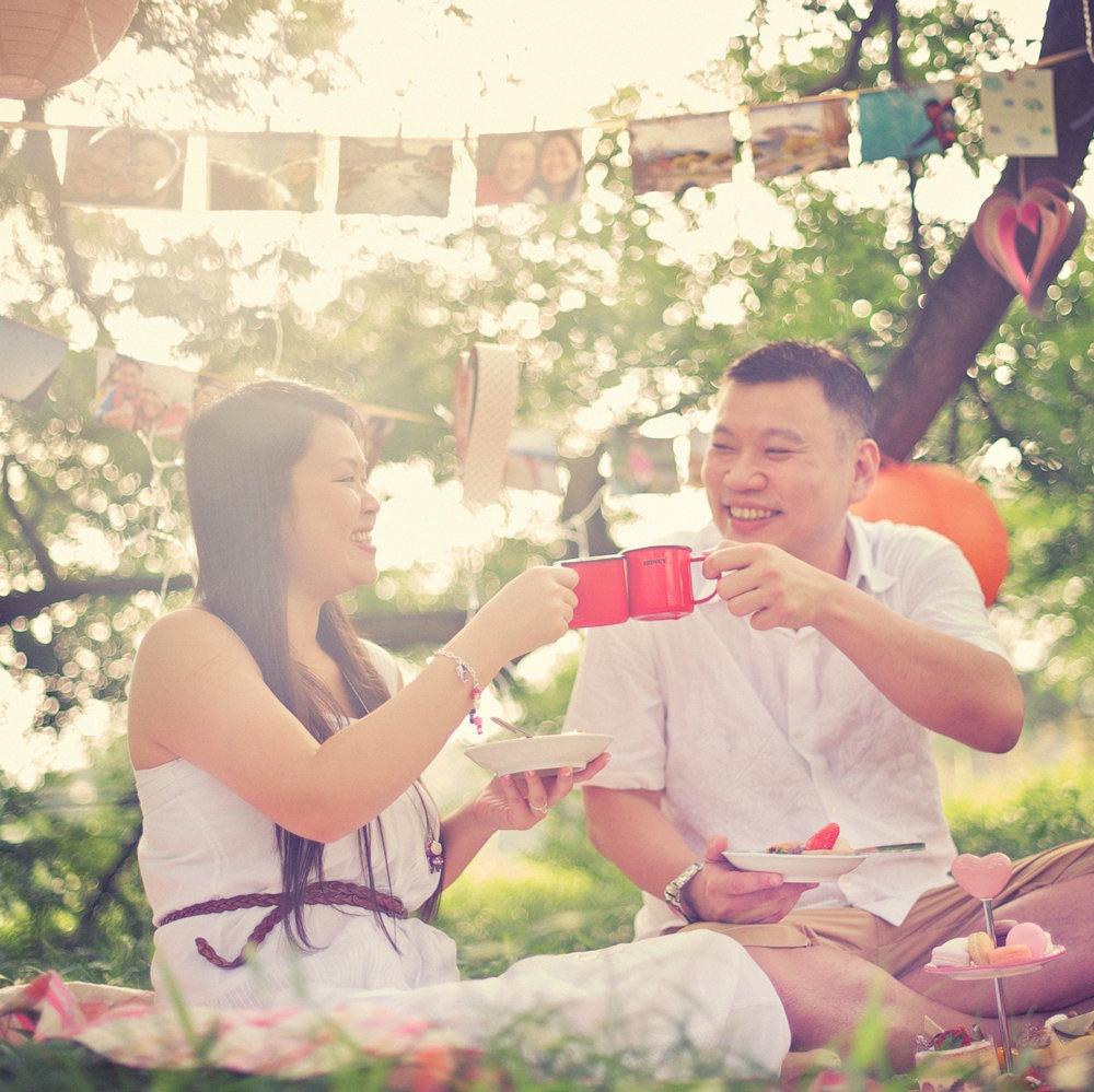 DENNIS + EILEEN - Dreamy Garden Papercraft Picnic Pre-Wedding