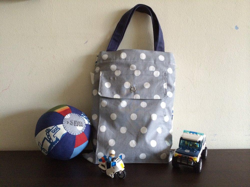 EDC-Drawstring Bag-grey polka dots_03.jpg