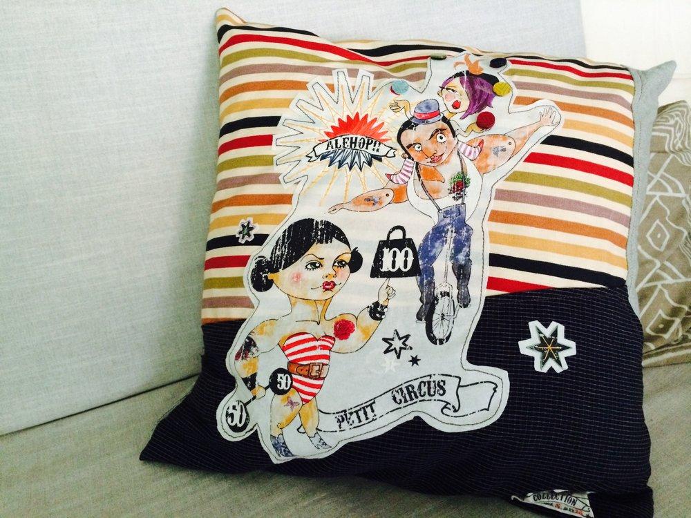 Sofa + Cushion_Circus_01.jpg