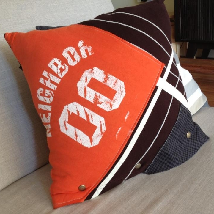 T-shirt cushion cover -
