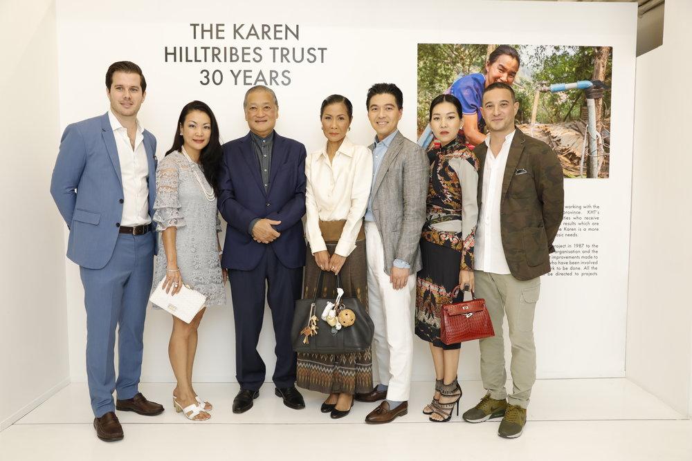นิทรรศการภาพถ่ายและงานประมูลภาพวาดโดย 'Mr POW'สมทบกองทุน 'Karen Hill Tribes Trust'