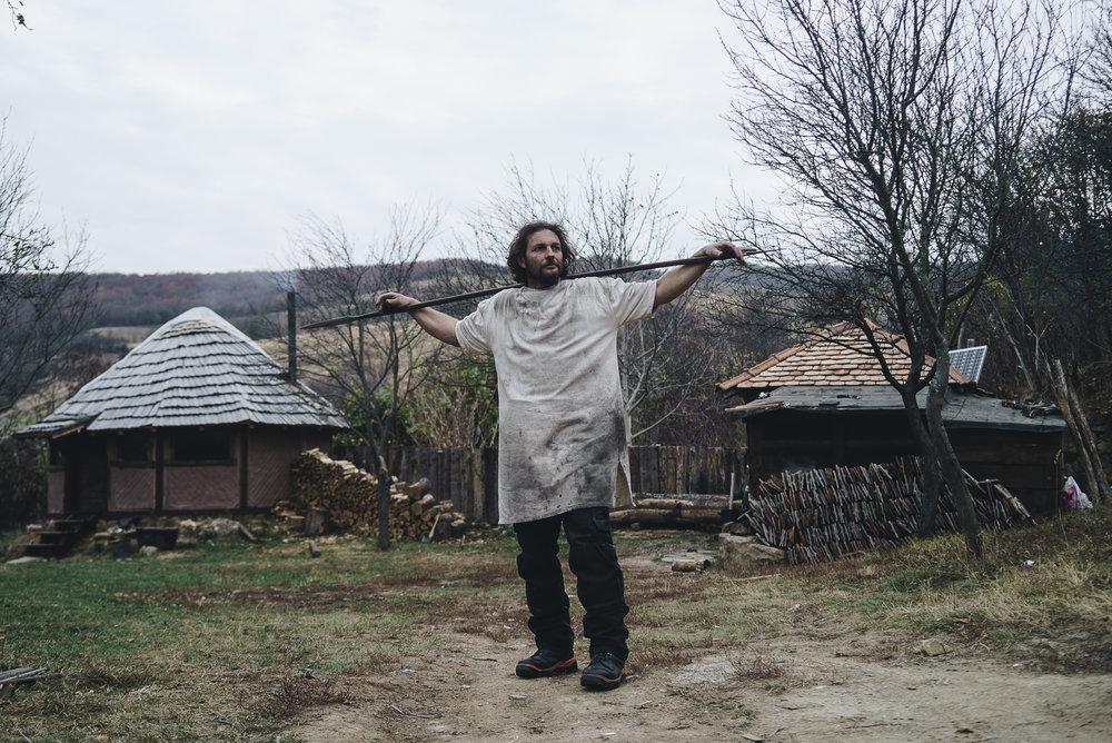 EMANUEL BEZERIȚĂ - FIERARUL
