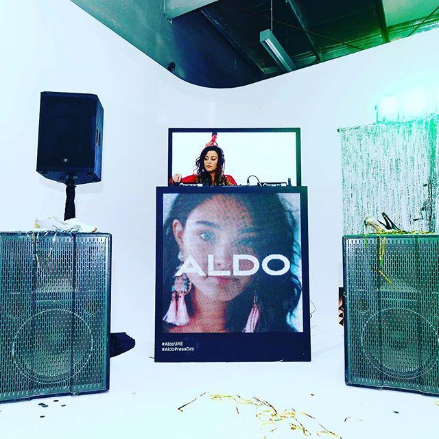 BWC bringing those 90s riddims to the @aldo_shoes press day #donelljones until we die @cherellechambers 🤘🏾 . . . #dubai #uae #becausewecan #aldo #love #hiphop #duttywine #london #donell #destinyschild #musiqsoulchild #erykahbadu #followme #youdirtydwags #2018 #live #baby #dubaifashion