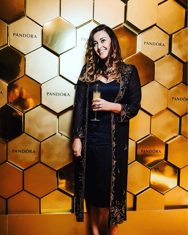 BWC founder  @cherellechambers @theofficialpandora ✨⚡️✨ . . . #womenwhoshinepandora #events #shine #uae #dubai #dubaifashion #90s #becausewecan #london #newyork #morocoo #middleeast #ifyoudontknownowyouknow #pow