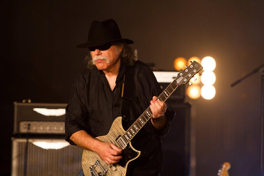 Robert Longo - Guitars