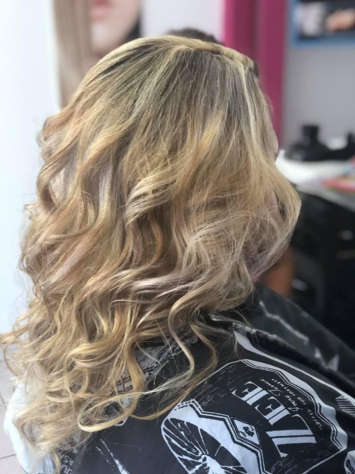 amazen-salon-coiffure-brushing-noumea-nouvelle-caledonie.nc.jpg