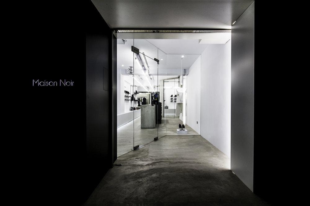 Maison Noir:4.jpg
