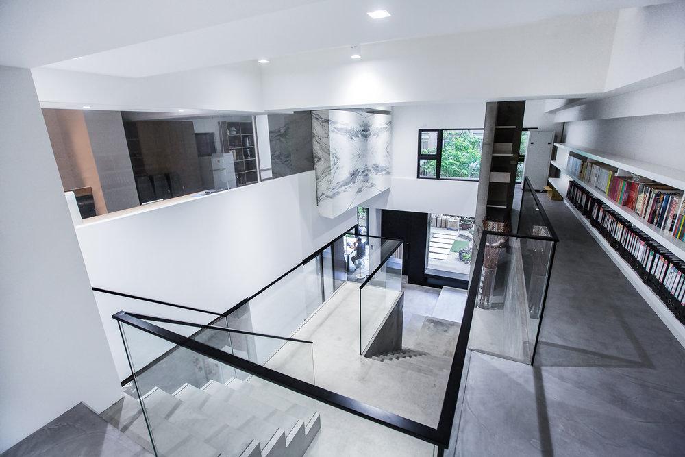 大理石,脫縫,清水模樓梯,黑鐵