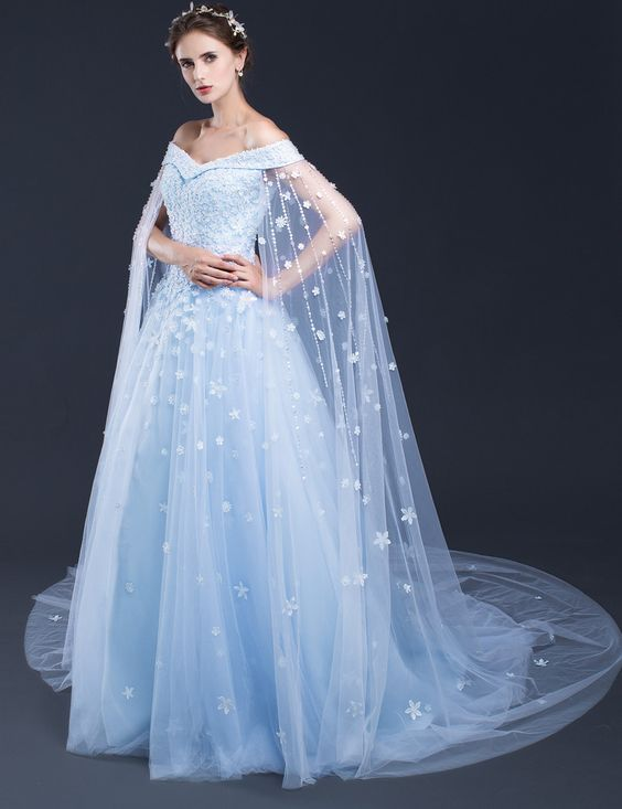b41f2e62981 15868207e15033a1844fff44eff2ef32.jpg. Spotted  Light blue and white wedding  dresses at the Bridal ...