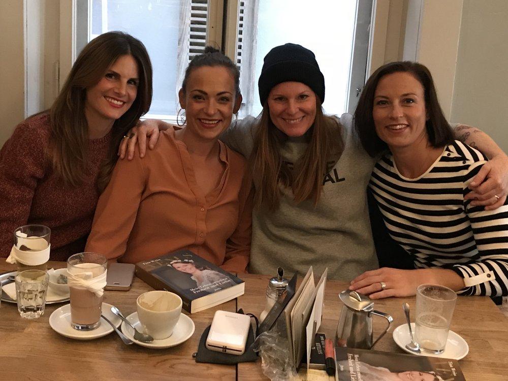 Mit Brigitte, Sue und Sabrina - ehemaligen World of Venus Hostessen in Bern November 2017