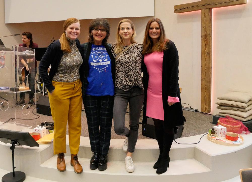 Mit Zoë Bee, Aline Baumann und Monica Masi an der Buchtaufe von «Lichtfängerin»