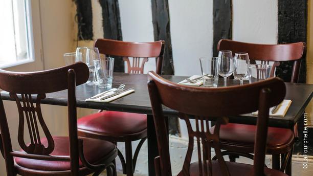 le-vin-qui-danse-gobelins-table-dressee-f67a4.jpg