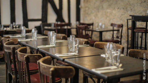 le-vin-qui-danse-gobelins-tables-dressees-09da5.jpg